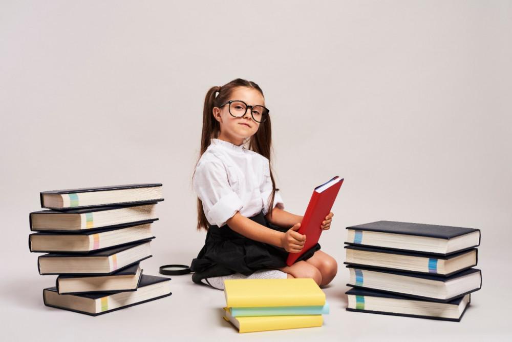 Қаржы әліппесі: қаржылық сауаттылық жөніндегі балаларға арналған ең жақсы кітаптар мен мультфильмдер